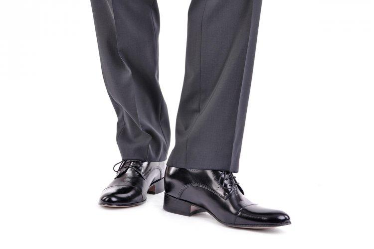 Klasyczne eleganckie buty do ślubu Betelli