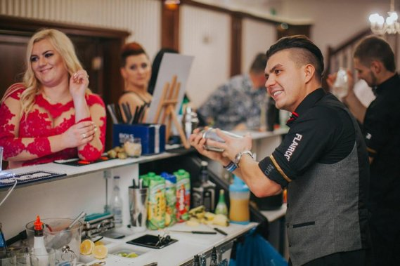 Atrakcje na wesele Barman na wesele
