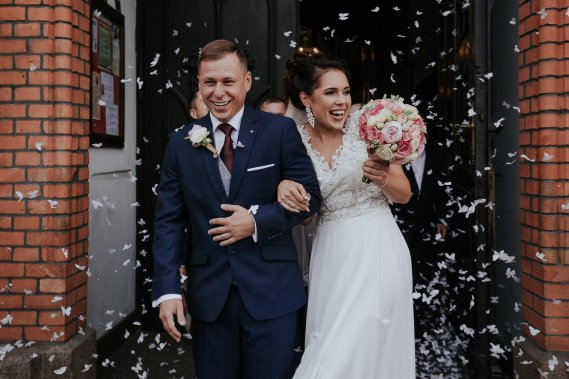 Reportaż ślubny - pełny pakiet Reportaż ślubny Adrian Rykiel Fotografia
