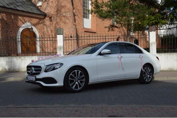 Biały Mercedes E-klasa na ślub Limuzyny Łukasz Kulczyk