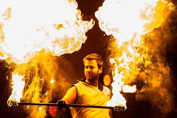 Pokaz fireshow na weselu Teatr ognia Nam-Tara | Teatr Ognia | Fireshow | Ledshow | Taniec z ogniem