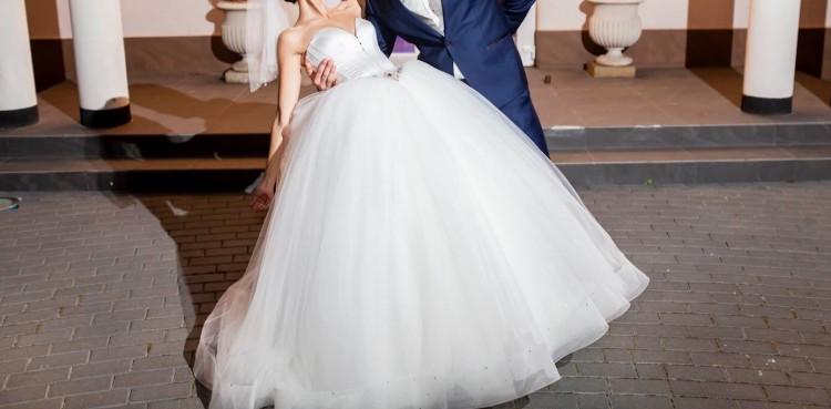 4823cad092 Suknia dla prawdziwej księżniczki  ) piękna skromna ale z wielka klasa ! )  suknia do oglądnięcia w salonie srebrny anioł w Gorzowie wlkp  )