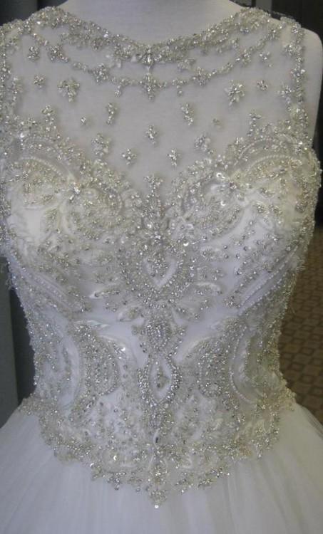 Bardzo dobryFantastyczny Suknie - Piekna Suknia Ślubna z Kryształkami Swarovskiego - 2 000,00zł UN85