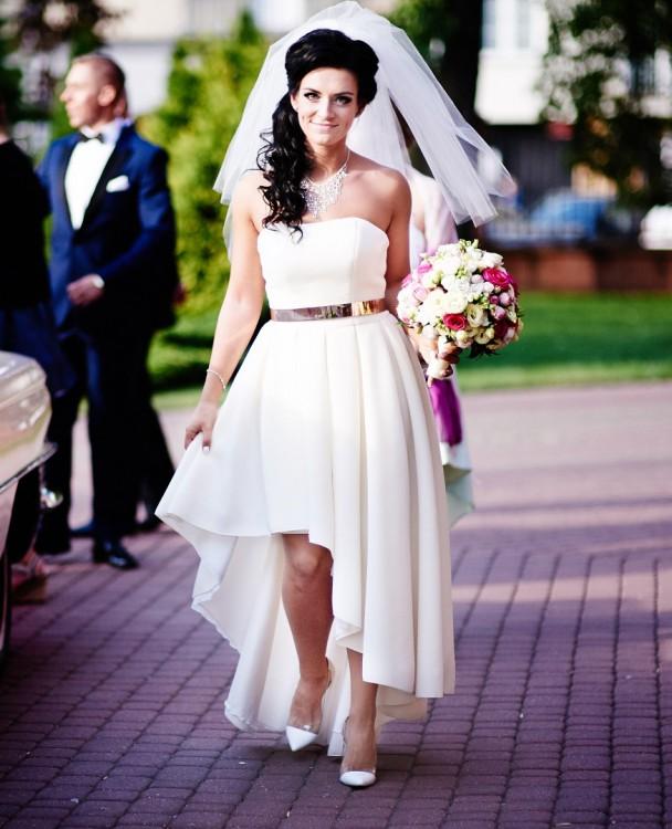 3126cf80fa Suknie - Sprzedam suknię ślubną. Asymetryczna. Ecru - 1 299