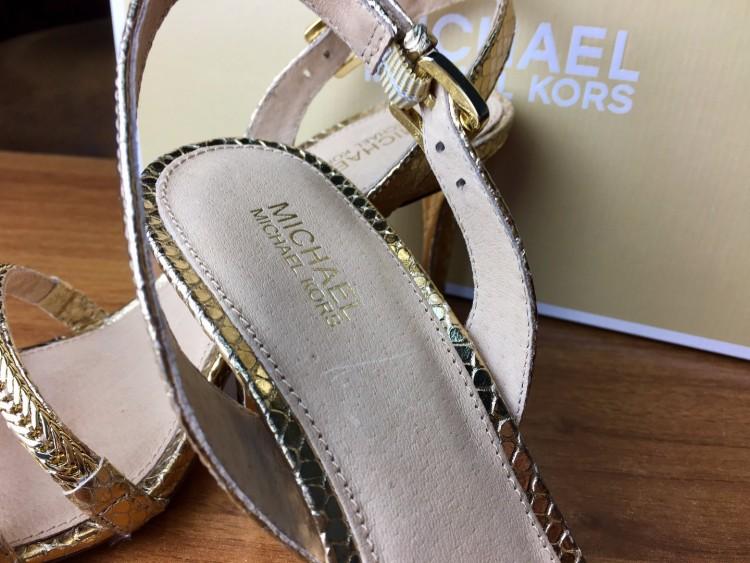 b3f8cee208824 Posiadają piękne detale, niewysoki obcas i bardzo wdzięcznie wyglądają na  nogach - optycznie je wydłużając. Obcas jest dobrze wyważony, buty są  bardzo ...