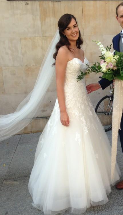 Romantyczna suknia projekt Enzoani