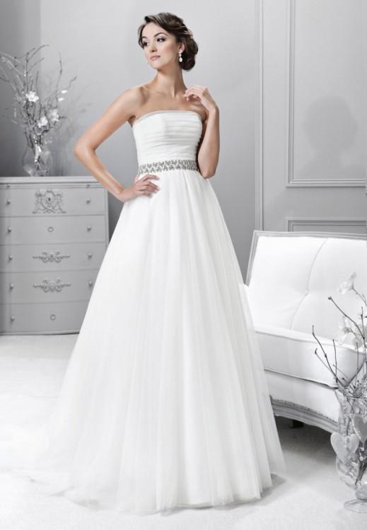 Suknia z kolekcji firmy AGNES Crystal Collection + welon
