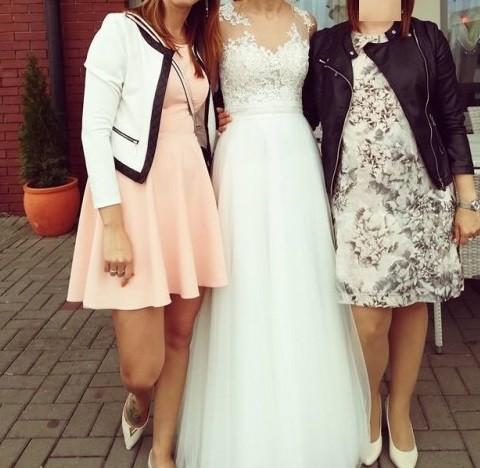 Śmietankowa suknia z koronką, tiulem, zwiewna i piękna!