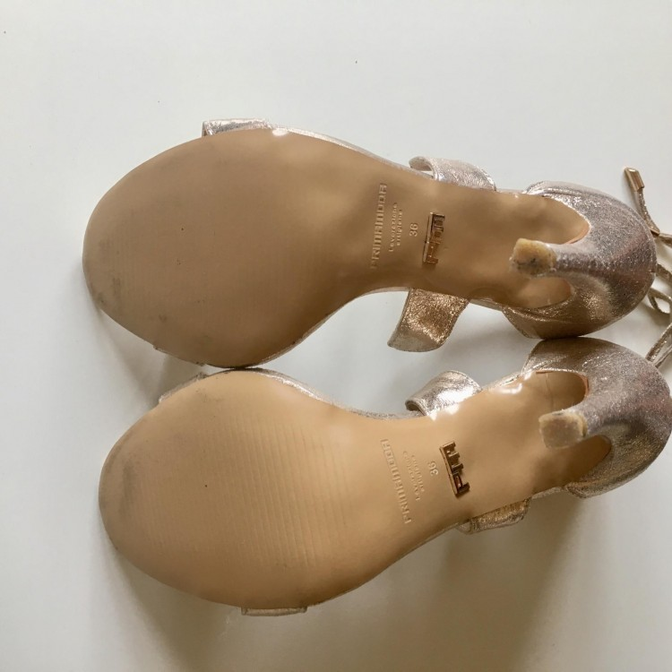 2c23e57f4d29a Buty - Prima Moda - złote szpilki - sandałki r. 36 (nowe) - 269,00zł