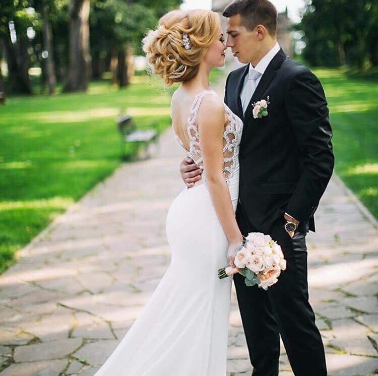 Suknie Nowa Suknia ślubna 3638 Gładka Tren Poprawki Welon