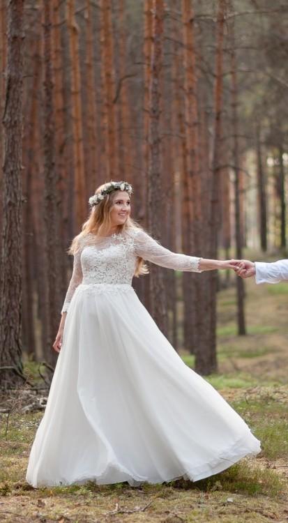 Suknie Delikatna Zwiewna Suknia ślubna 3840 1 70000zł