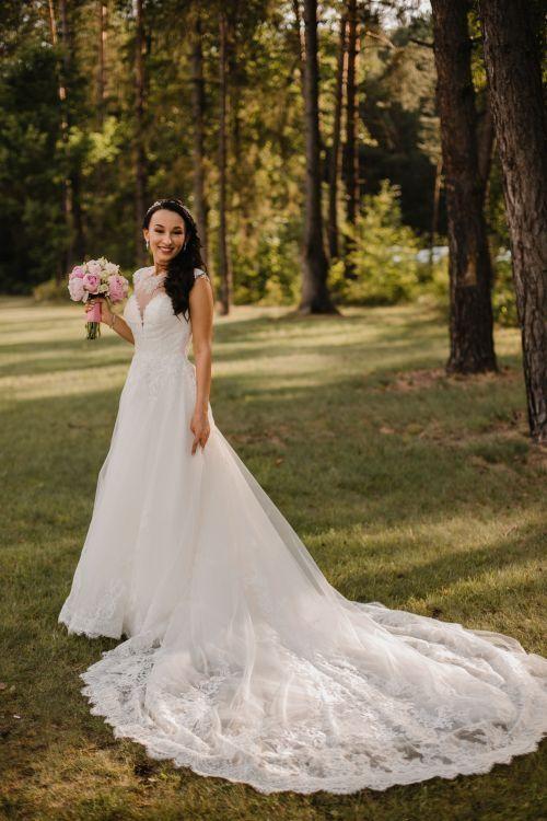 Sprzedam suknię ślubną Sposabella rozmiar 34