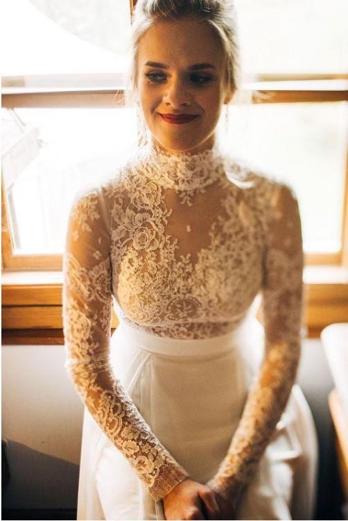Suknia ślubna ze stójką - Sylwia Kopczyńska
