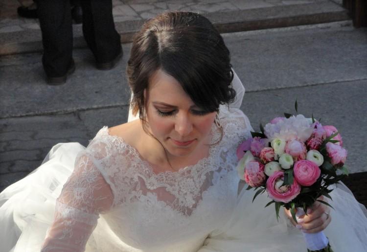 Koronkowe bolerko ślubne z długim rękawem