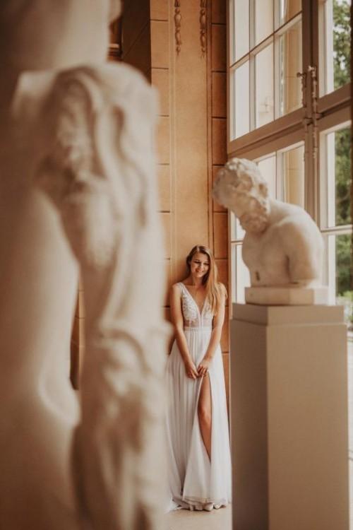 Przepiękna suknia ślubna z odpinanym trenem 36