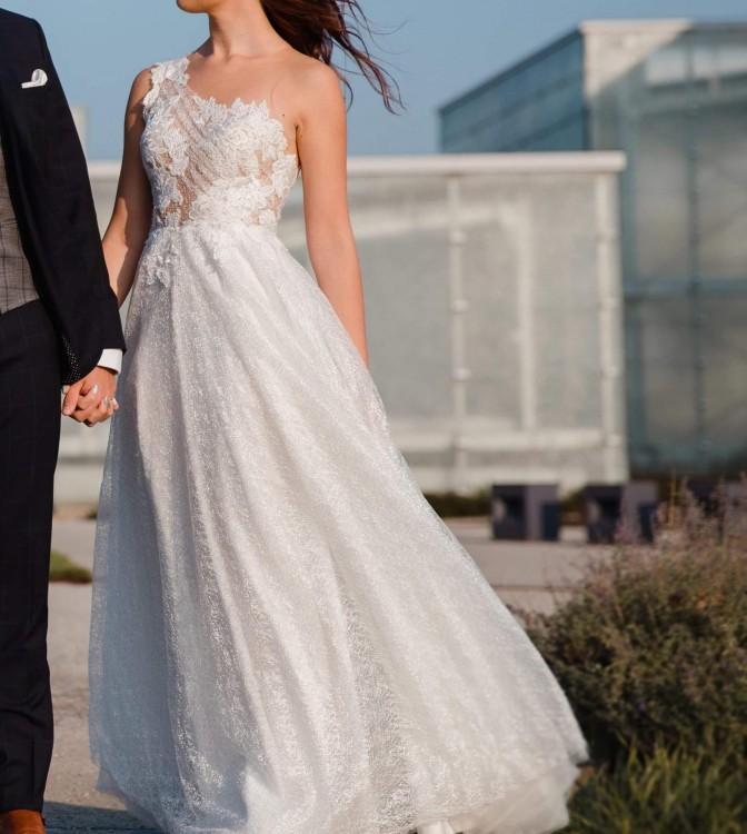Piękna suknia ślubna Agnieszka Światły