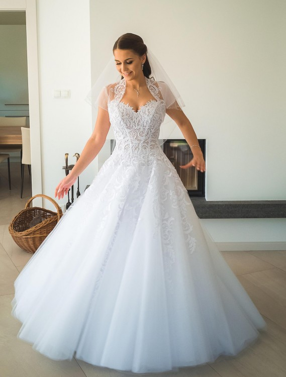 Suknia princessa 2018 rok - Centrum Mody Ślubnej Agora