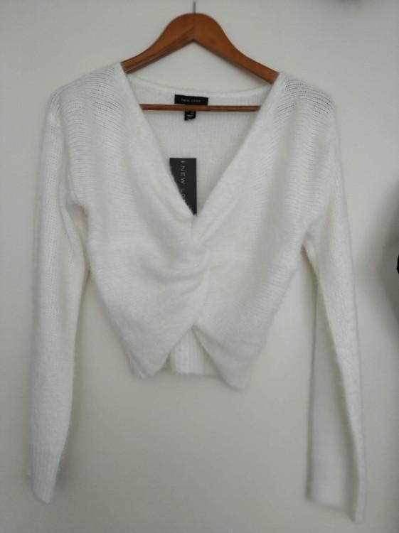 Sweterek ślubny w kolorze śmietankowym