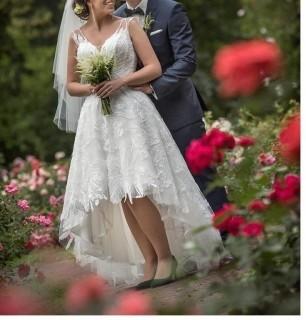 Urocza Suknia Ślubna AGORA, przód krótszy - tył dłuższy