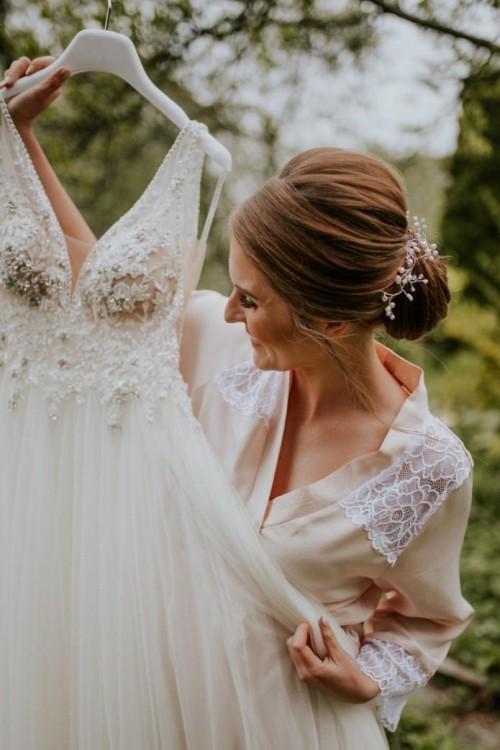 Suknia Ślubna Essense of Australia 2019, model D2523