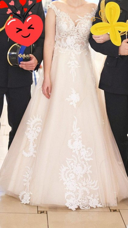 Suknia ślubna rozmiar S kolor cappucino