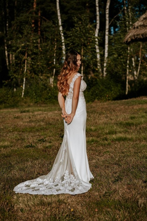 Suknia ślubna Magnolia ( rybka z trenem )