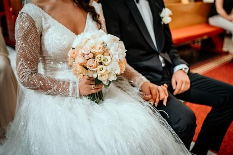 Suknia ślubna pióra piórka długi rękaw niepowtarzalna