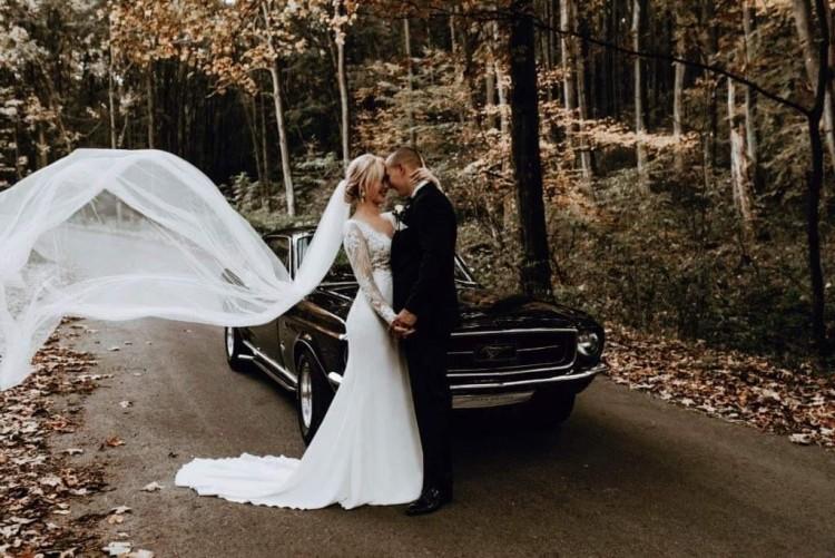 Suknia Ślubna z długim rękawem Estee Bade