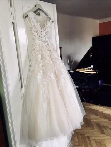 Suknia ślubna Nicole Spose włoska koronka ręcznie szyta