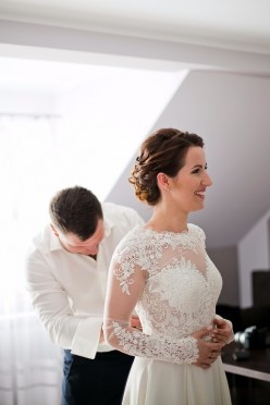 Delikatna suknia ślubna KALOME,KOLEKCJA 2016