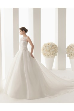 Piękna suknia ślubna Rosa Clara