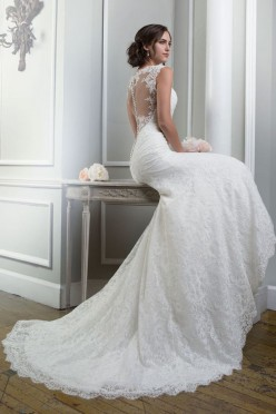 Suknia ślubna Lilian West 6370 + welon