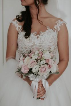 Piękna suknia ślubna Gala Machiko
