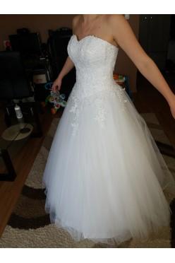 Śliczna suknia ala princessa