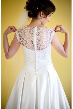 Piękna suknia OKTAWIA śmietankowa + welon + bolerko