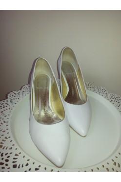 Sprzedam nowe buty ślubne