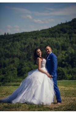 Suknia Ślubna projektu MORII LEE model 2887