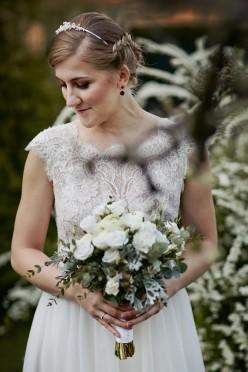 Suknia ślubna ecru - Justyna Kodym - koronka, muślin, tiul