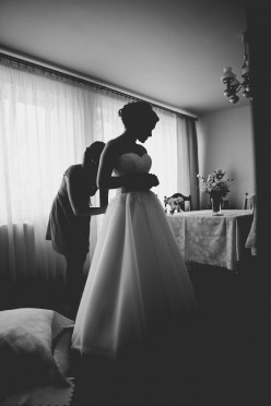 Klasyczna suknia ślubna roz. 36 + bolerko