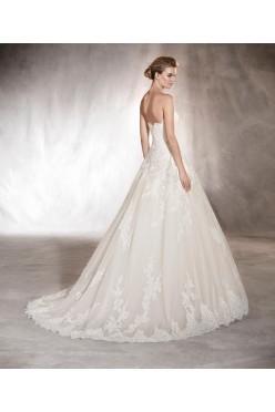 Wyjątkowa suknia ślubna marki Pronovias - model Aloha