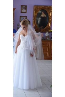 Piękną suknia Nadine