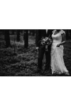 Koronkowa, piękna suknia ślubna w stylu BOHO r. 38