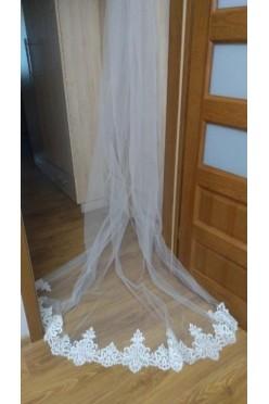 Welon ślubny haftowany 3m