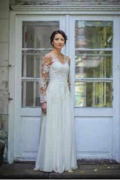 Suknia ślubna ecru rozm 36, koronka, zwiewna