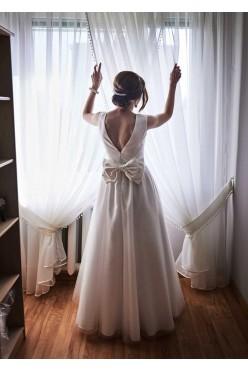 Urokliwa suknia ślubna