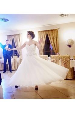 Suknia ślubna księżniczka Diane Legrand kryształki
