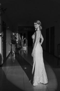 Zachwycająca suknia ślubna od CHLOE by Eva Mendel