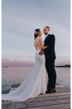 Suknia ślubna Lillian West 6454 2017