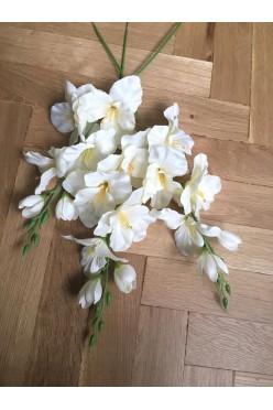 Piękne kwiaty sztuczne mieczyki do dekoracji ślubnych