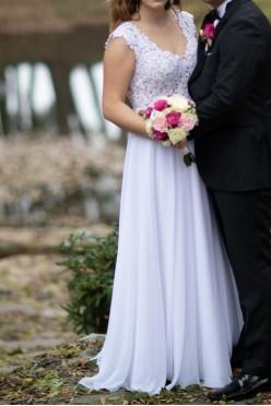 Suknia Ślubna, szal, spinka do włosów